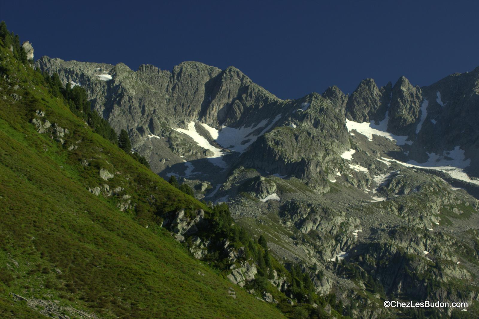 Pointe de Rognier (2341m) – Les Grands Moulins (2495m) en deux jours