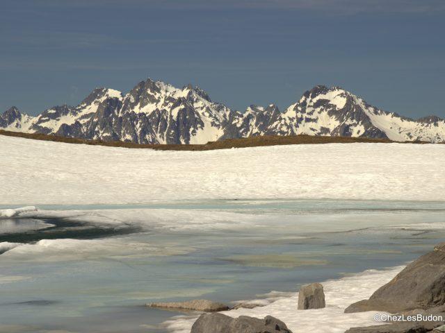 Lac Bleu (2137m) & Lac Blanc (2139m)